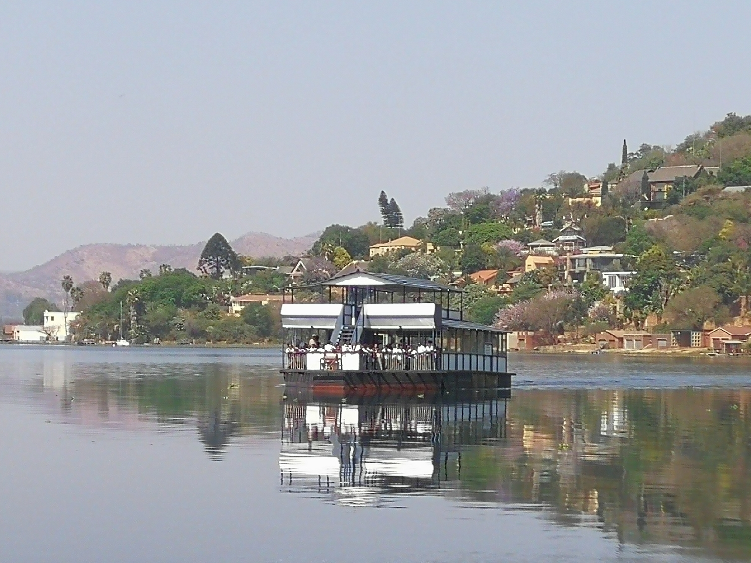 boat-cruise-on-the-hartbeespoort-dam